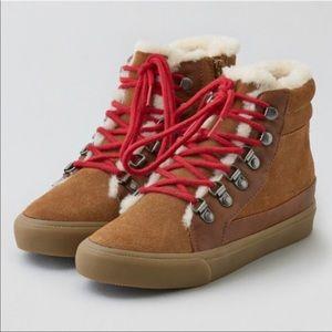 AEO Sherpa Lined Booties